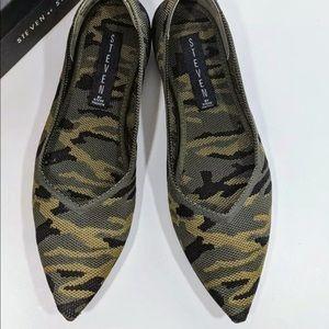 🌸Steven by Steve Madden Camouflage size 6.5🌸